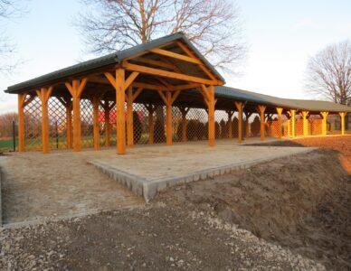 Budowa altany oraz innych obiektów na terenie Izby Muzealnej w Barchaczowie w celu nadania funkcji kulturalnej i społecznej
